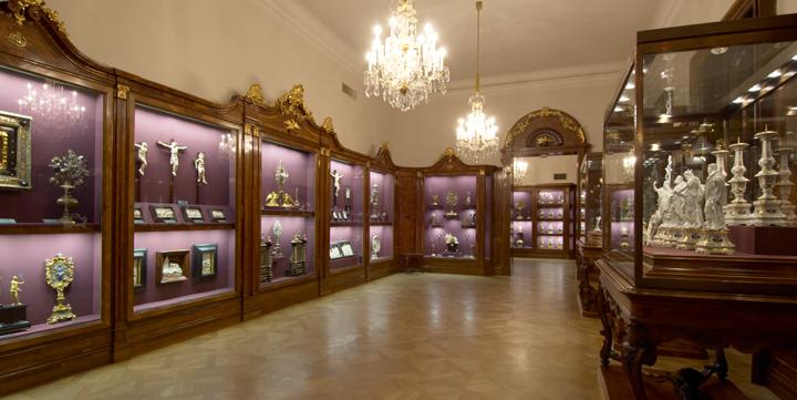 Kaiserliche Schatzkammer Wien Collections